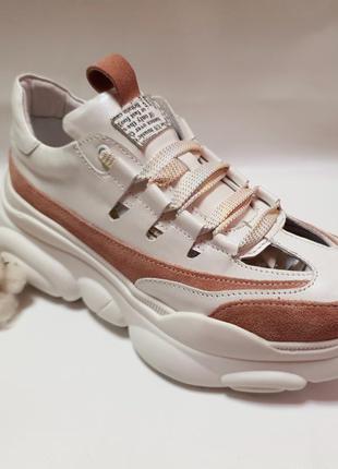 Кожаные кроссовки с вырезами от производителя flamanti 37 р