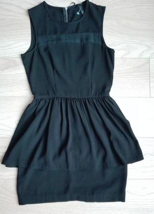Летнее черное платье с баской, на миниатюрную девушку