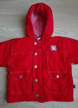Теплая красная куртка с капюшоном, на 12 мес.