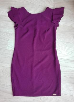 Красивое прямое платье винного цвета