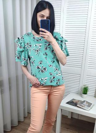 Блуза в цветы primark uk 10/s-m, на рукавах ленточки