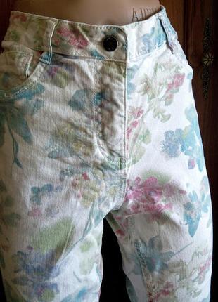 Белые стрейчевые джинсы с принтом canda jeans c&a зауженные