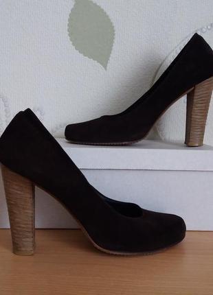 Туфли замшевые коричневые selesta на каблуке широком