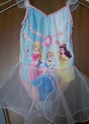 Розовый купальник с принцессами юбкой рюшами