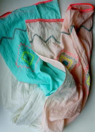 Батистовая миненная шаль шарф с вышивкой градиент с эффектом о...