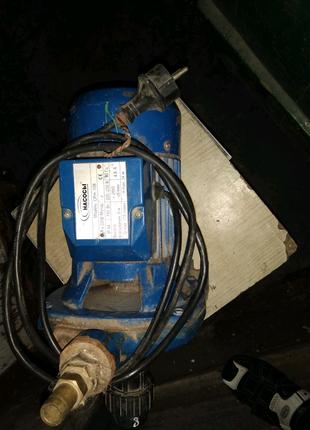 Центробежный насос Насосы плюс оборудование CPm 158 рабочий