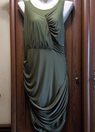 Вечернее стрейчевое облегающее короткое платье присборенное ма...