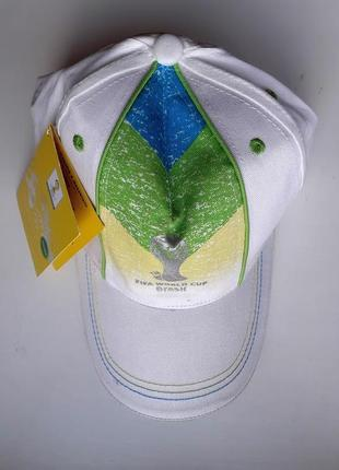 Белая кепка бейсболка fifa