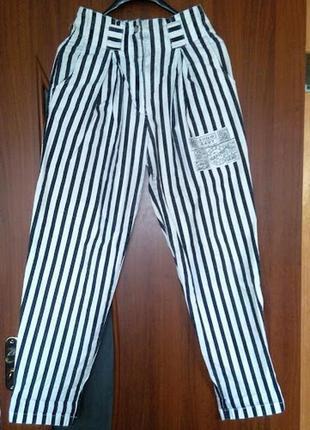 Полосатые джинсы бананы брюки штаны в полоску с завышенной тал...