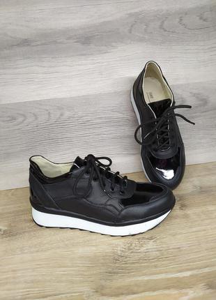 Кожаные кроссовки 36 и 38,39 размера от производителя