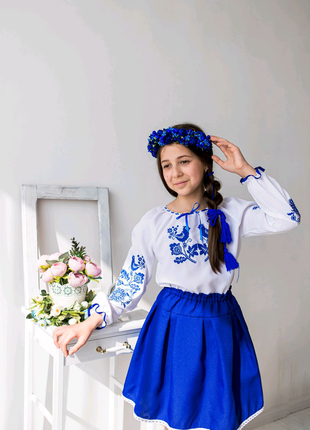 Вишитий костюм , вишиванка для дівчинки Пташки синій