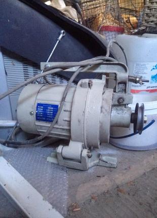 Фрикционный мотор к швейной машинке 380