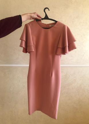 Платье с воланом