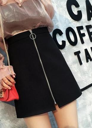 Замшевая юбка с молнией черная мини короткая с колечком сперед...