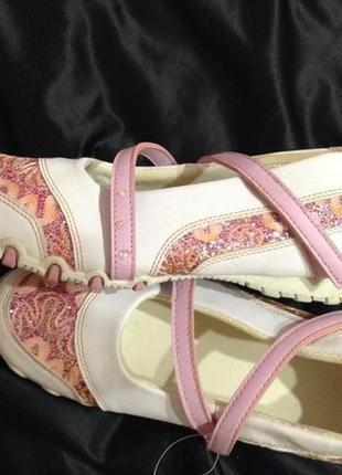 Спортивные туфли, мокасины 37 р.