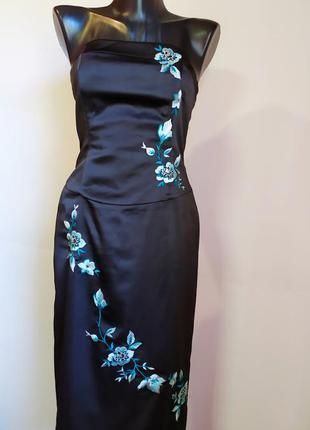 Черное вечернее платье с вышивкой