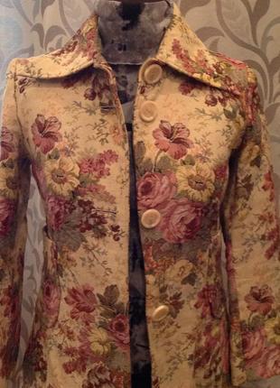 Пальто, гобеленовая ткань бренда clohes, р.46.