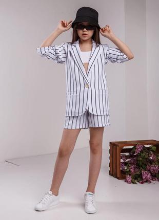 Невероятно стильный костюм для девочек , жакет и шорты