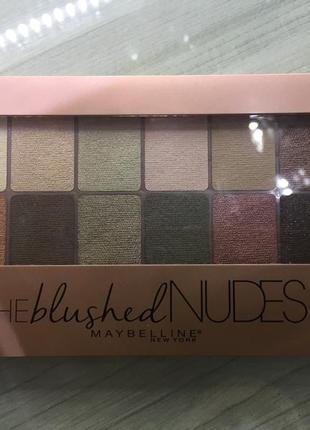 Палетка теней the blushed nudes maybelline