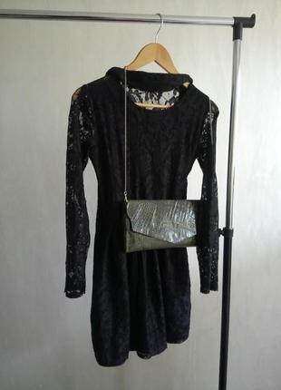 Гипюровое вечернее платье с ремешком