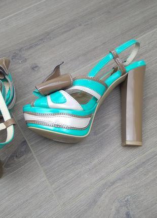 Босоножки женские обувь на каблуке