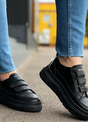 Чёрные кроссовки на липучках, чёрные кеды на липучках