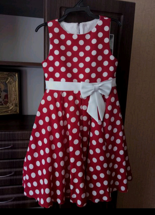 Святкове пишне плаття 9-10 років