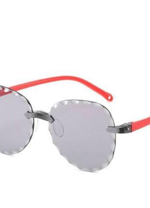 Безоправные детские очки-авиаторы от солнца с темно серой линз...