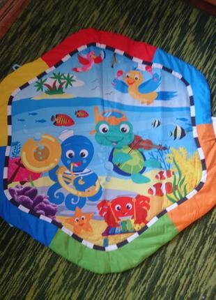 Развивающий коврик для игр с малышами.
