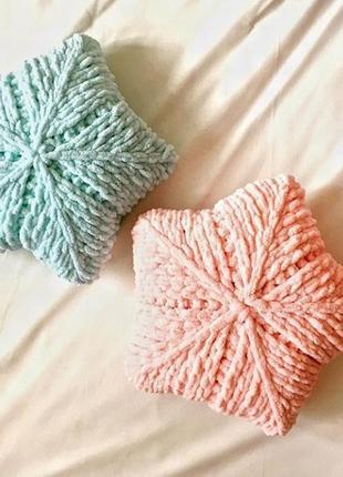 Декоративных плюшевых подушек