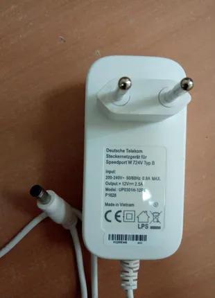 Блок питания , адаптер питания , зарядное устройство 12В 2,5А