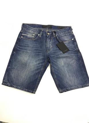 Мужские джинсовые шорты от baldessarini