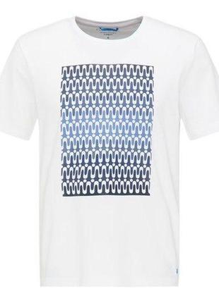 Мужская футболка от pierre cardin