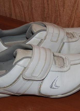 Кроссовки кожаные 3ф размер 22см стелька