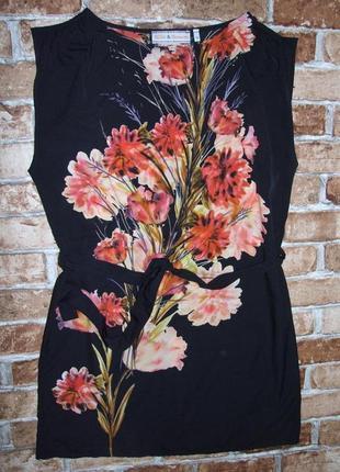 Платье нарядное цветы легкое