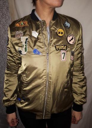 Куртка бомбер с нашивками и значками oeuvre женская новая