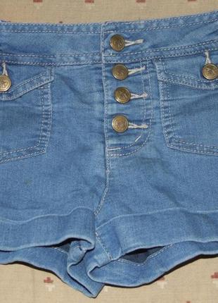 Шорты девочке  джинсовые 5 лет