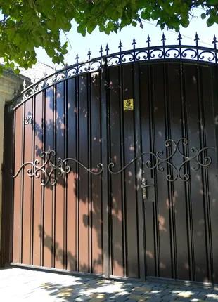 Ворота из профнастила.