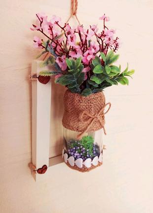 Настенная подвеска. Искусственные цветы. Декор