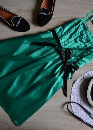 Плаття ізумрудного кольору на брительках even & odd
