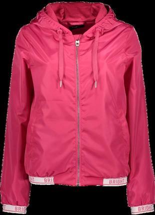 !продам новую женскую спортивную лёгкую куртку ветровку с капю...