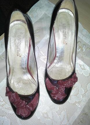 Туфли лодочки лаковые р.36-37