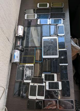Телефони на запчастини, відеокамери, планшети