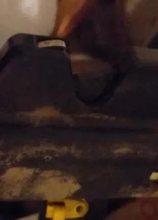 Замок крышки багажника