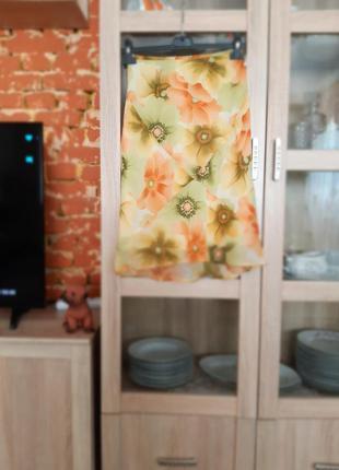 Очаровательная на подкладке в цветы юбка