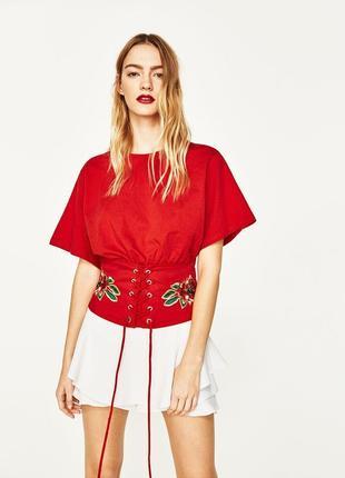 Zara woman футболка блуза с корсетом в принт цветы вышиванка