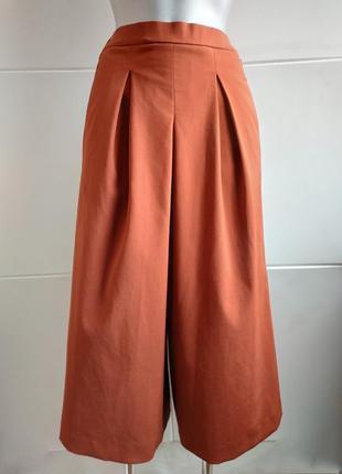 Стильные брюки-кюлоты zara терракотового цвета
