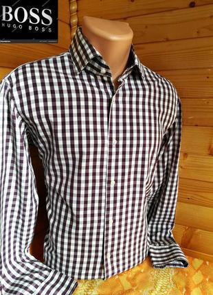 Рубашка в клетку от немецкой компании модной одежды hugo boss,...