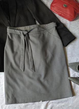 Деловая классическая базовая прямая серая юбка