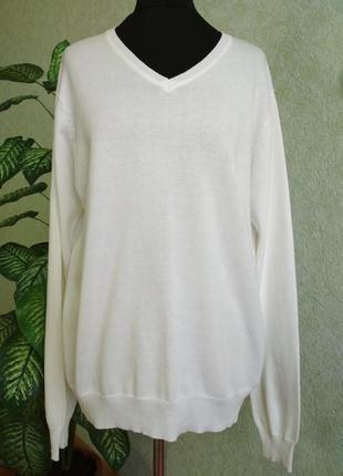 Стильный белый пуловер bershka100%cotton.